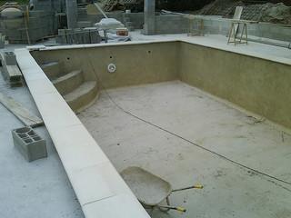 Se lancer soi même dans la construction d'une piscine