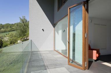 Aides financières pour l'installation d'une porte ou d'une fenêtre en bois