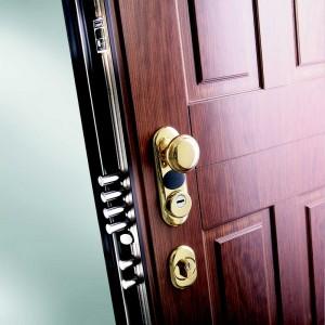 Vue de profil d'une porte blindée