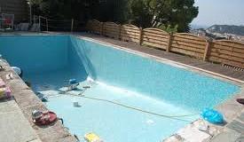Les travaux d'entretien d'une piscine: rénovation et réparation