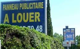 Utilité des panneaux publicitaires lors de la construction ou la vente d'un logement