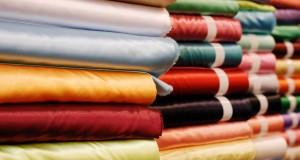 Tissu au mètre : on déroule les rouleaux pour une décoration unique