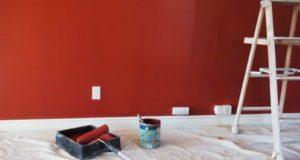 Préparation d'un mur avant peinture
