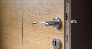 Porte blindée versus blindage de porte : que choisir ?