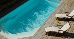 Pourquoi opter pour la piscine coque polyester ?