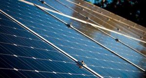 Installation photovoltaïque autonome : un matériel durable pour produire de l'énergie