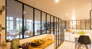 La verrière de cuisine : idéale pour agrandir sa cuisine tout en la gardant cloisonnée