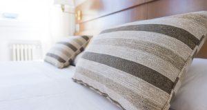 Quels accessoires design peuvent embellir rapidement votre chambre ?