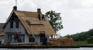 Travaux de toiture : comment trouver le bon couvreur ?