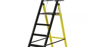 Pour les travaux en hauteur, avez-vous pensé à un escabeau télescopique ?