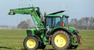 Remplacer les marteaux d'un broyeur agricole