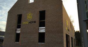 Rénover sa maison soi-même ou faire appel à des professionnels ?