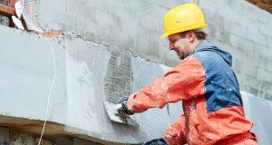 Profiter des travaux de ravalement façade pour embellir votre extérieur